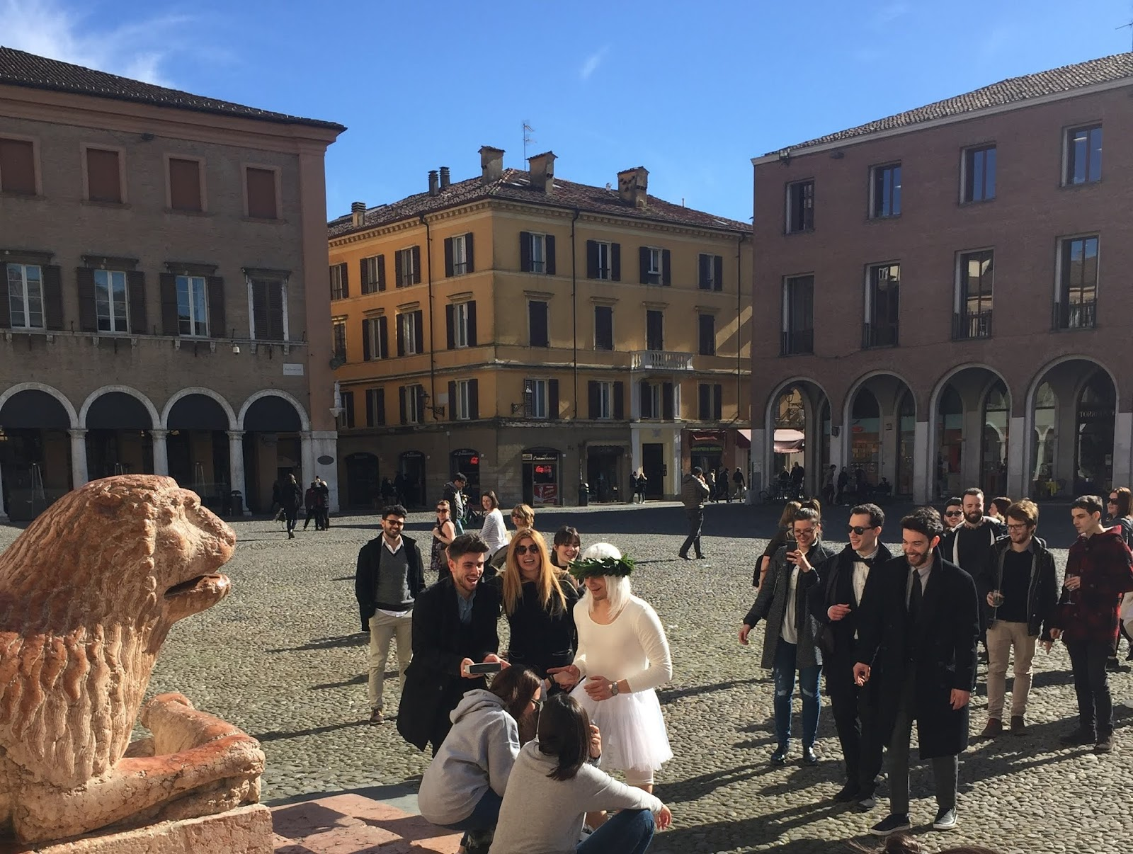 Người Ý ăn mặc Italy Fashion Favellatrice