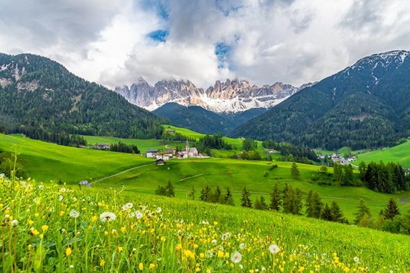 Val di Funes Leo núi ở Ý Favellatrice