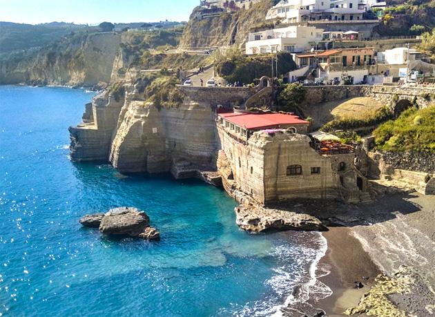 Cava Grado Favellatrice Bờ biển Tây Nam Ý