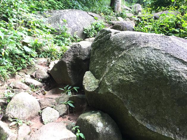 Đường Cột điện bãi đá