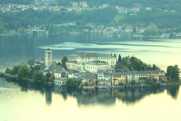 Lago d'Orta Hồ ở Ý