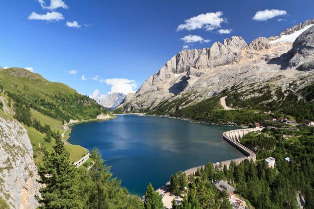 Lago di Fedaia Hồ ở Ý đẹp nhất.