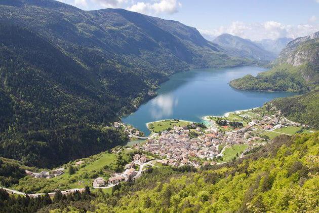 Lago di Molveno Hồ ở Ý đẹp nhất
