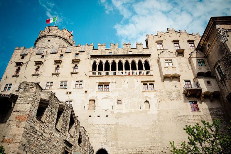 Lâu đài Buonconsiglio ở gần đại học Trento